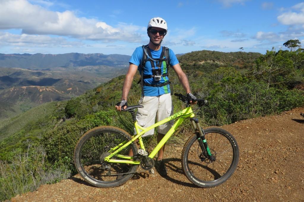 Mon nouveau bike. Casque lunettes gopro vélo fluo et c'est parti !